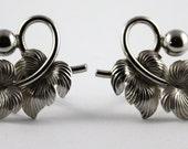 Reserved for Heidi - 2 pairs vintage earrings