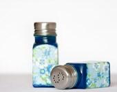 Salt Pepper Shakers, Vintage Flowers Blue Kitchen Set, Navy Blue Kitchen, Hostess gift for her