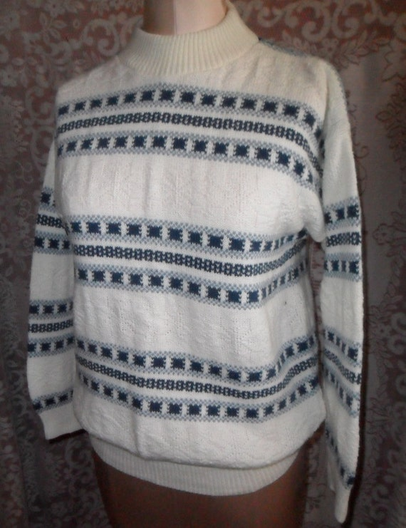 Vintage Sweater Faire Isle Pullover Blue and White Knit Acrylic Size Medium