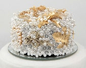 Vintage Brooch Wedding Cake Topper in Gold