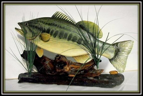 LARGEMOUTH BASS fish wood carving folk art table display 28 X 26 inches