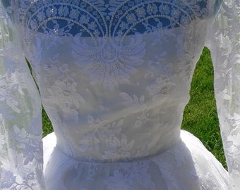 White Long Train Bridal Wedding Dress 50's  size 4-6