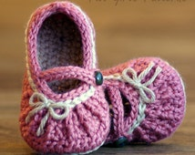 Crochet Pattern # 210 Too Cute Mary Janes with easy gathering - 2 options included - PDF - Instant Download