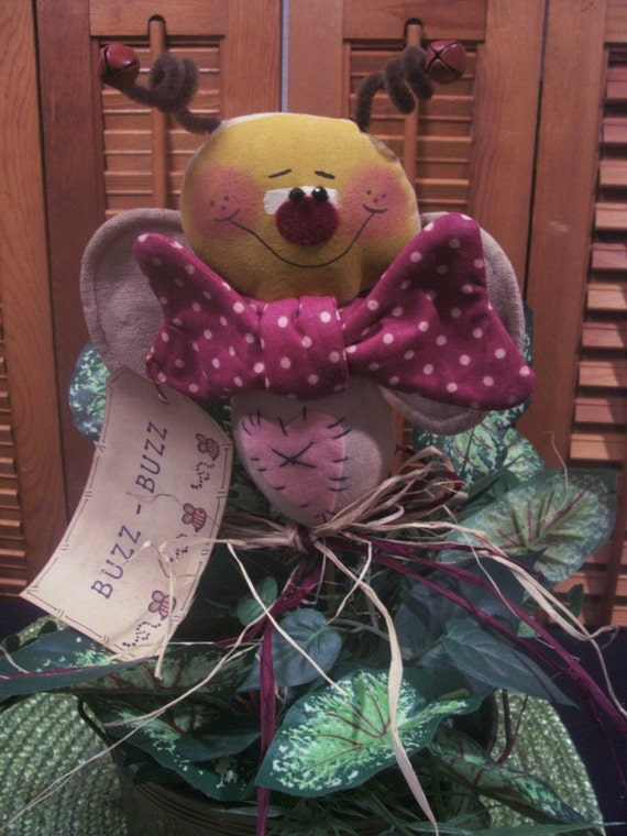 Primitive Whimsical Country Garden BUMBLEBEE BEE Plant Poke Crock Fillers Ornie