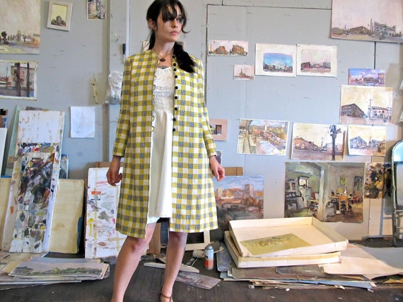 vintage mod checkered houndstooth coat. 1960s yellow & black