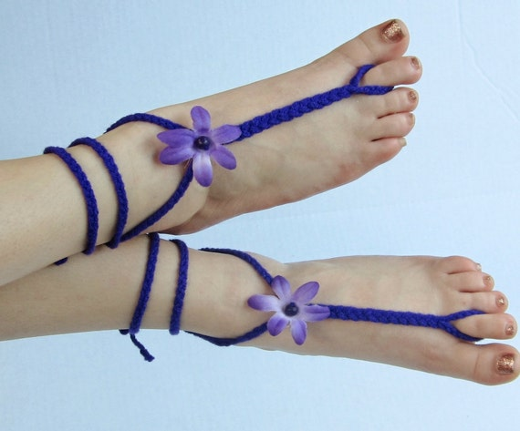 VIOLET HILL hippie barefoot sandals braided with flowers butterfly charm