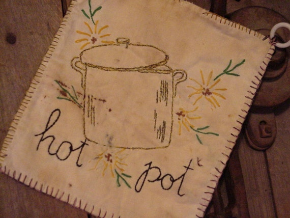 Vintage Pot Holder Shabby Primitive Country Farmhouse Hot Pad Kitsch Country Farmhouse Decor  itsyourcountry