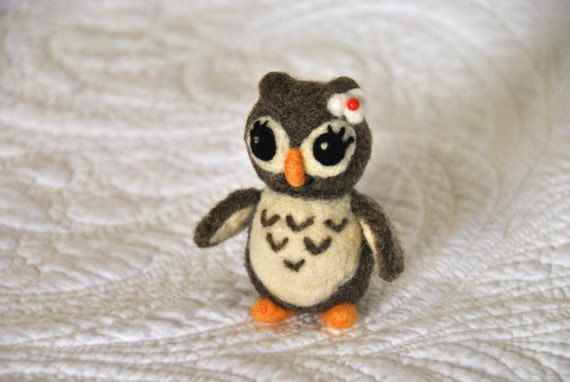 The Love Owl - Needle Felted Owl - AdoraWools Wedding Cake Toppers and Gifts - www.AdoraWools.com