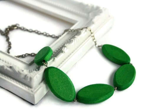 Chunky Lime Green Necklace with Oval Geometric Wood Beads on Chain, Perfect summer fashion, Minimalist and Lightweight Jewelry