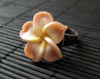 Frangipani Ring. Polymer Clay Flower Ring. Tan Peach Plumeria Ring. Copper Adjustable Ring. Frangipani Flower Ring. Handmade Jewelry.