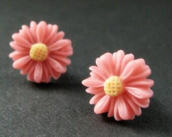 Coral Pink Sunflower Earrings. Pink Flower Earrings in Bronze. Post Earrings. Handmade Jewelry.