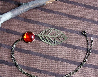 Red Pendant Necklace With Antique Gold Leaf