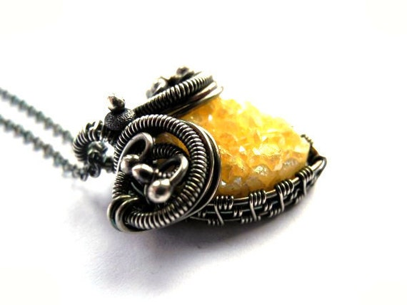 Wire wrapped silver necklace yellow Quartz druzy, raw gemstone, heart shaped, romantic pastel honey gold