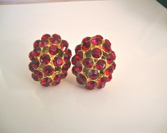 Ruby Red Rhinestone Cluster Earrings Vintage Retro Holiday Party Fashion Jewelry