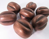 10 Vintage 18x12mm Coppery Brown Barrel Lucite Beads Bd181