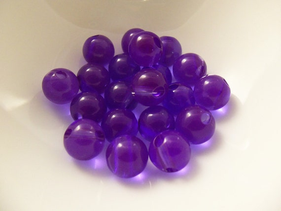 40 Vintage 9mm Side-Drilled Purple Translucent Lucite Beads Luc216