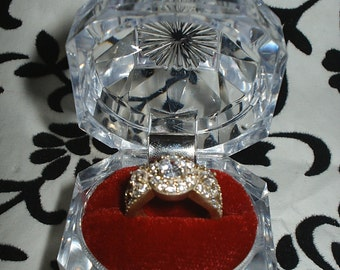 New Fancy red velvet Crystal Clear Lucite Engagement Ring gift Box wedding band promise ring