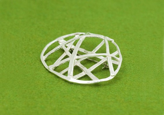 Basket design - Pendant and brooch - Japanese wabi sabi - Contemporary design - three dimensional brooch - linear design