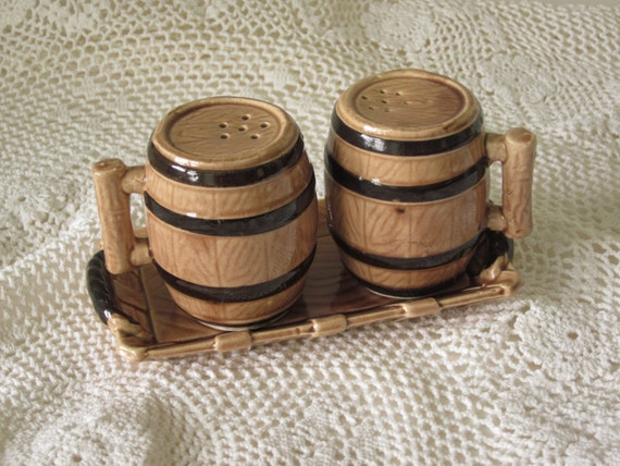 Vintage Hinode Barrel Salt and Pepper Shaker Set  with Tray made in Japan