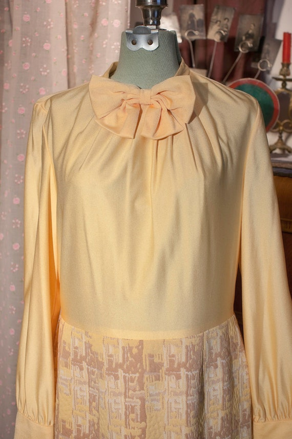 Vintage 1960's Yellow Bow  Blouse Dress