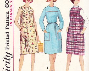 1964 Smock Style Dress or Jumper with Round Neck and Patch Pockets Vintage Pattern, Simplicity 5402, Prim, Artist, Teacher, Madras Plaid