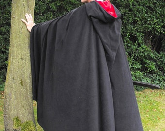 Legendary Pointed Hood Fleece Cloak / Cape with Pewter Celtic Clasp - Large in all Black