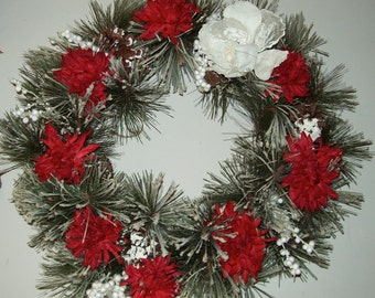 Christmas Holiday Red and WhiteWreath