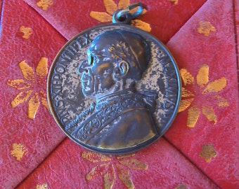 Vintage Pope Vatican Religious Medal Pope Pius XII With Red Leather Folding Case WWII Pope