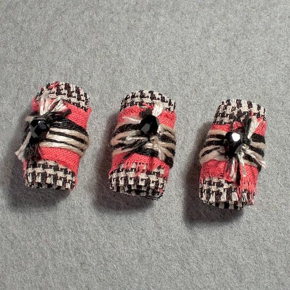 Fabric fiber beads 3 pcs salmon black cream craft jewelry jewellery findings.