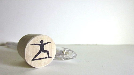 "Warrior Pose Rubber Stamp - Round 3/4"" or 2.2cm on wood mount"