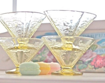 Set of 4 Citron Yellow Dessert/Sherbert Depresssion Era Glasses - Lacy and Scroll Pattern