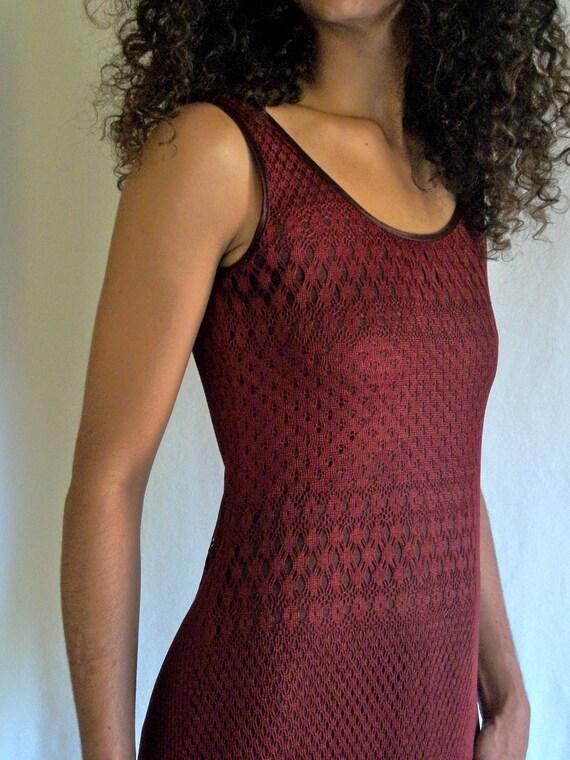 Women's vintage dress, tube dress, wiggle dress, sleeveless maxi dress. Knit shell, oxblood / wine / burgundy. Size 6 by Mica.