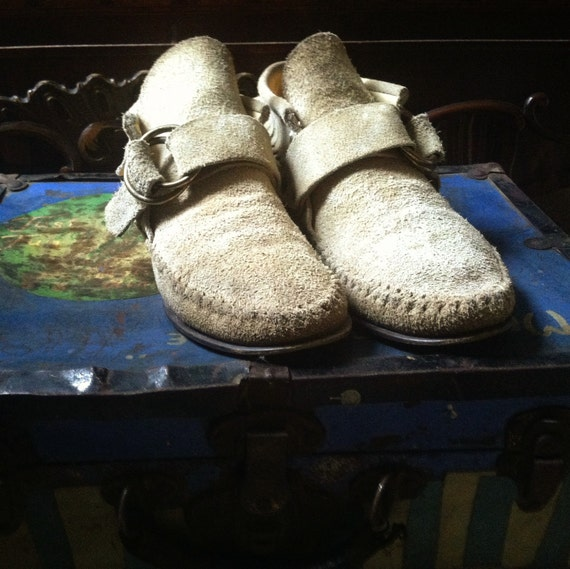Light brown Peter Pan Mocassins Size 8