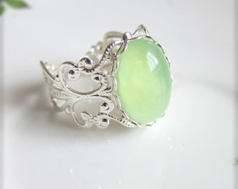 Mint Green Ring Silver Light Green Pale Green Cameo Ring Cabochon Ring Vintage Filigree Silver Ring - SUMMER FIESTA Minty Fresh
