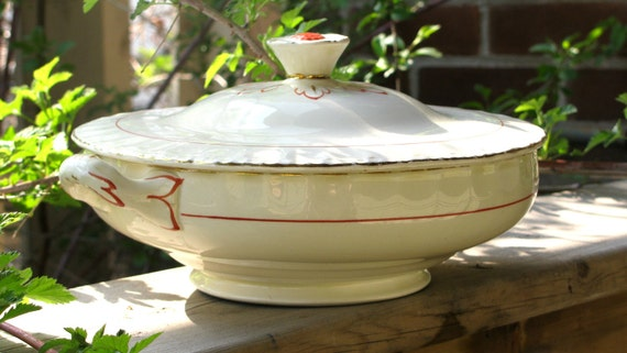 Vintage serving dish Art Deco vegetable dish lidded tureen white and red Grindley