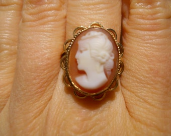 English Hallmarked Carved Cameo and Yellow Gold Ring