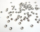 100 Tiny scalloped bead caps ribbed shiny gunmetal plated brass 3.5mm A5570FN