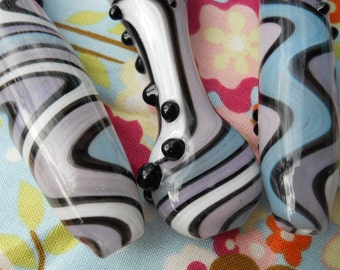 Hand Blown Glass Cigarette Holder - Inside Out - Betty Rubble