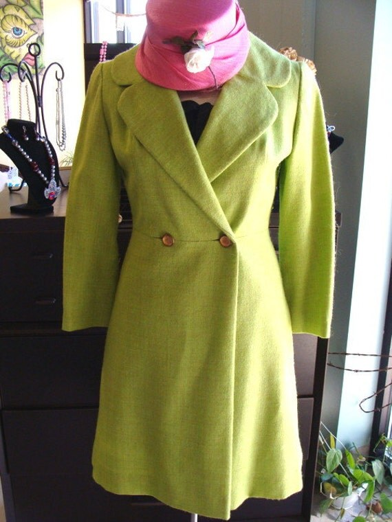 VINTAGE 1960s 60s WOOL COAT lime green light weight ladycoat dress jacket S
