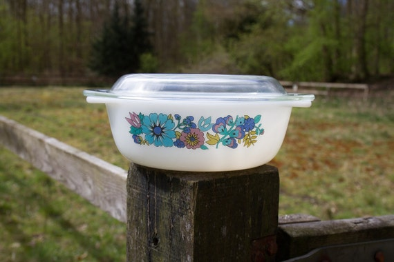 Milk glass bowl by Schott Mainz Jena Glas with blue and purple flowers and glass lid
