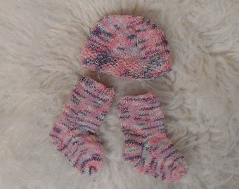 Handmade baby set socks and hat knit  pink