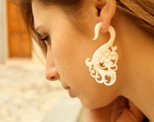 Fake Gauges Hibiscus Flower Bone Earrings Natural Tribal Organic Earrings - FG027 B G1