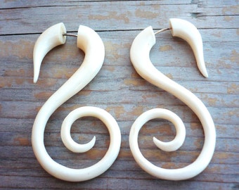 Bone Fake Gauge Earrings White Bone Swan Spirals Tribal Earrings - Gauges Plugs Bone Horn - FG010 B G1