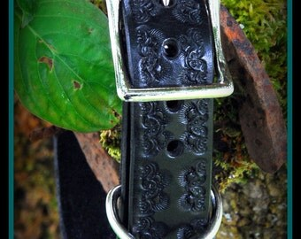 Black Leather Dog Collar 1 inch wide, Royal Crown design, nickle plate hardware, can be monogrammed...