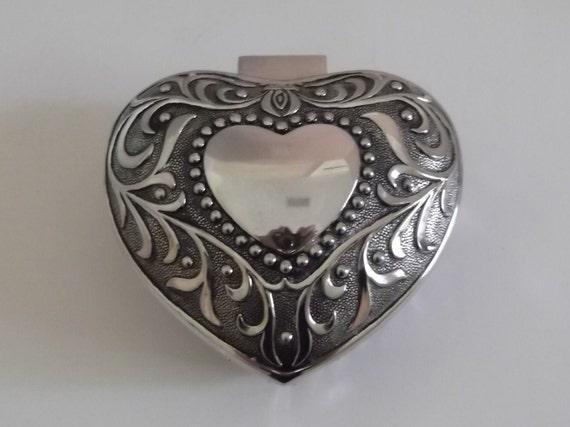 Vintage Metal Trinket Box / Jewelry Box / Heart Shaped