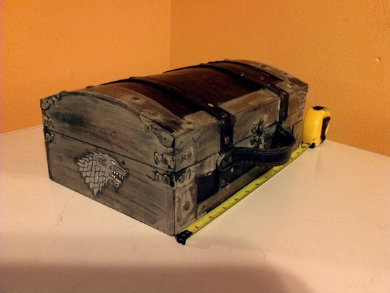 Game of Thrones - House Stark small flat box / comic / book / trunk holder chest Wood burned hand painted with Dire Wolf
