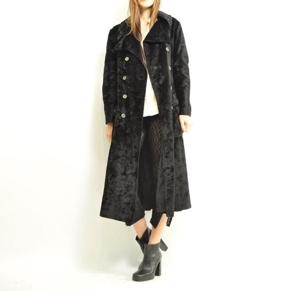 flash sale: ViNTAGE 60s VELVET BLACK MAGiC Coat / rare unique european coat / giant flared collars / fitted waistcoat / petticoat / m - L