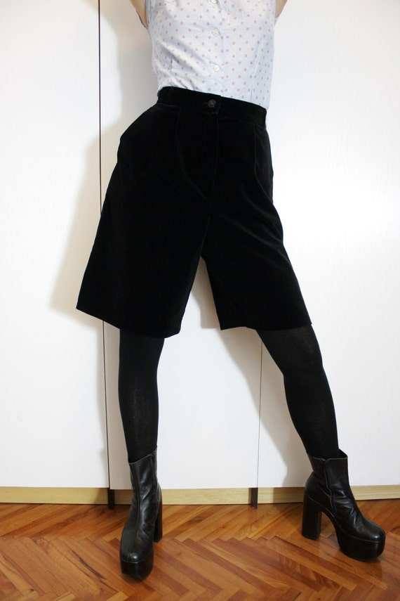 Vintage High Waist Wide Leg Black Velvet Short Pants