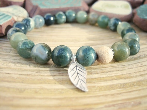 Silver Leaf Charm Bracelet - Moss Agate Bracelet with Tulsi Wood Mala Bead, Forest Green Beaded Bracelet, Autumn Fall Winter