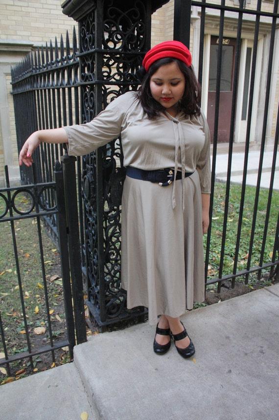 Plus Size Dress / Champagne / Day Dress / Bow tie dress Size: 2X/XXL
